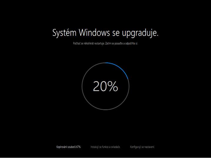 Instalace Windows 10 - Systém Windows se upgraduje